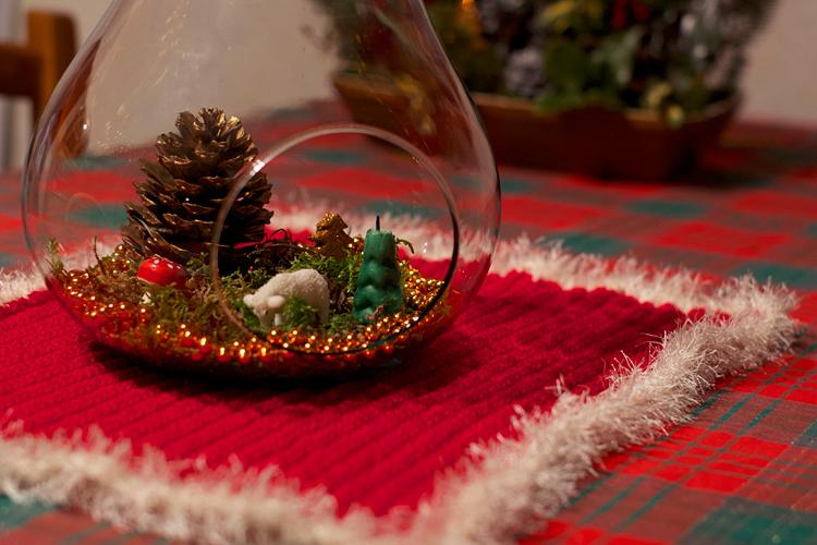 mini-forêt dans une poire en verre DIY