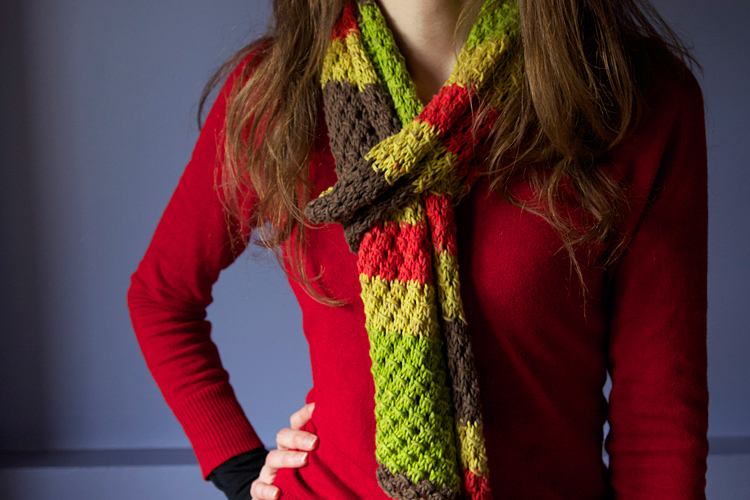 une écharpe printanière au tricot