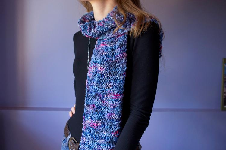 écharpe légère et fantaisie au tricot