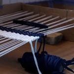 TUTO – Fabriquer un métier à tisser en carton