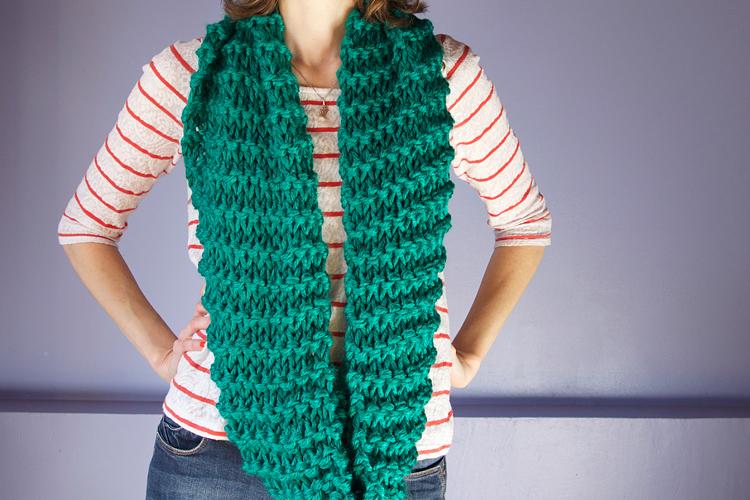 Mod le de snood long au point mousse apodioxe - Rentrer les fils tricot ...