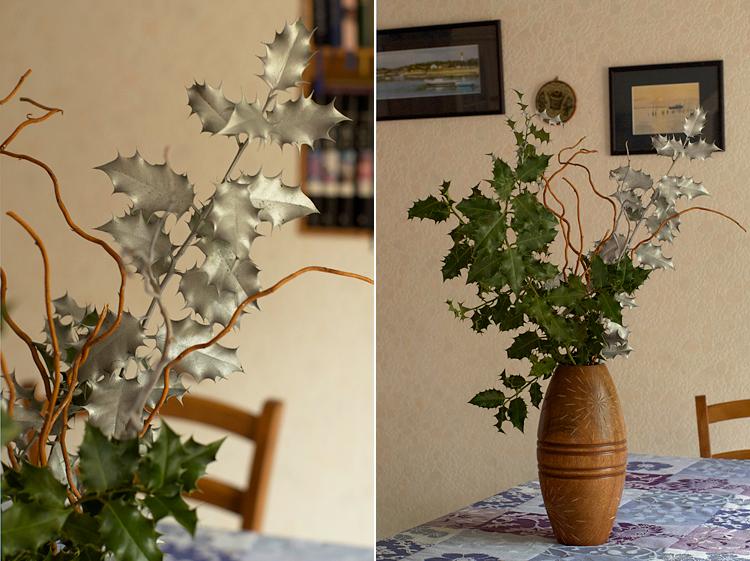 diy faire un bouquet de houx pour no l avec des branches dor es. Black Bedroom Furniture Sets. Home Design Ideas