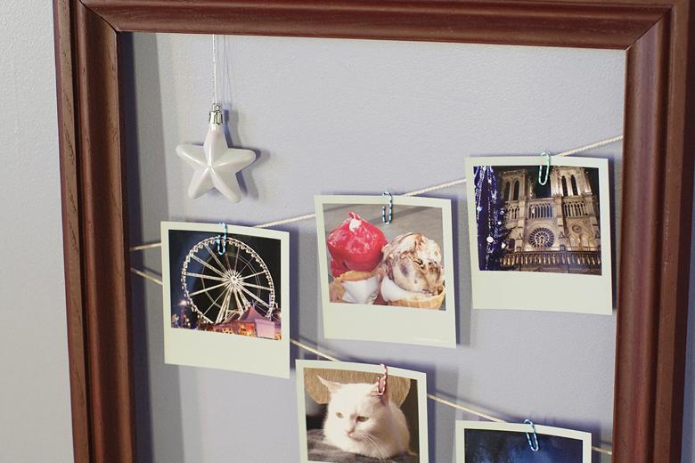d co accrocher ses polaroids dans un cadre en bois. Black Bedroom Furniture Sets. Home Design Ideas