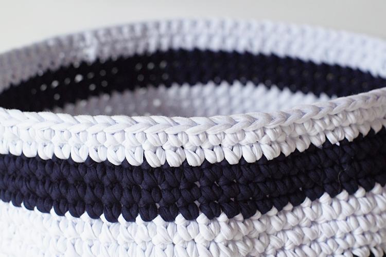 crochet trapilho panier